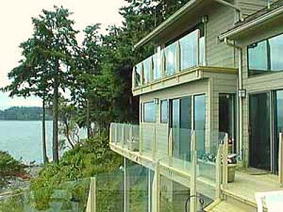 Deck Railing - glass over lake