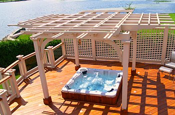hot tub with pergola